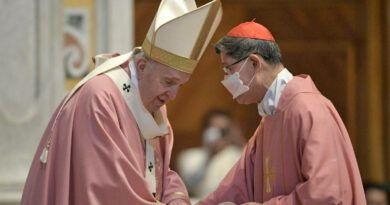 20210314-PopeFrancis-CardinalTagle-500YOC-VaticanMedia-001